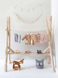 clouds hanger for baby made from tree branches -huisengrietje