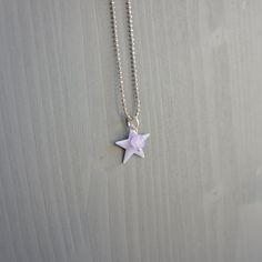 Mini star necklace lavender par LovelyFactory sur Etsy, €13,00