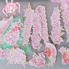Uuuh ich hab ganz vergessen mit meinen neuen #Sakura Stickern von @wish anzugeben  hatte schon direkt meinen #nintendo2dsxl und Laptop verziert. Vor alleb den DS damit Flo und ich unsere auseinander halten können  Hach ich shoppe gern bei #wishapp  Obwohl es ja auch ein bisschen #Glücksrad ist kommts an kommts nicht an  Die kamen an und sind klasse!!! Jetzt hält bei mir die #Kirschblüten Saison noch etwas länger  #kawaii # #pink #pastel #桜 #sweet #japan #japanlove #sticker #stickerart…