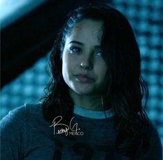 """+ Fotos de algunas escenas de Trini de la película """"Power Rangers"""". ⚡️"""