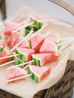 Bâtonnets glacés à la pastèque