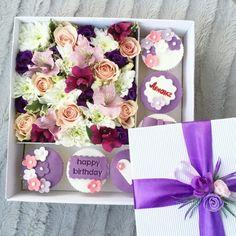 Подарочная коробка с цветами и капкейками. Индивидуальный заказ и оформление. www.pidu24.eu www.facebook.com/teiepidu