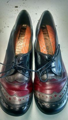 3e0b732b5f9 Hispanitas women s wingtip leather low heel shoes sz 40 us 9 made in spain
