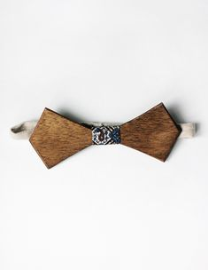 DIY Wooden Bow Tie.. For use or even to wrap a gift! @themerrythought