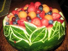 Carved Fruit Bowl Watermelon--- I think this is the next thing I want to try to duplicate