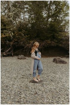 Sam rocking overalls at her Penrose Point State Park maternity session // Gig Harbor, Washington.