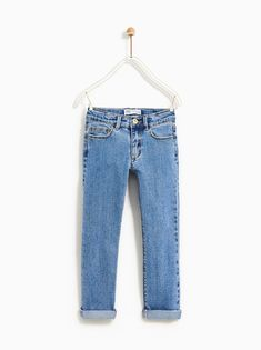Straight-fit jeans with interior adjustable drawstring. Five pockets and turned-up cuffs. Jeans Fit, Wide Leg Jeans, Mom Jeans, Fashion Kids, Zara Australia, Kids Outfits, Cute Outfits, Striped Jeans, Kid Outfits