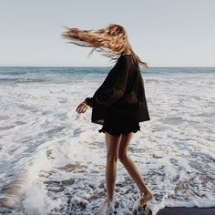 Beach Fun And Summer Looks 2018 : beach twirls. - Looks Magazine Summer Of Love, Spring Summer, Style Summer, Summer Street, Summer Diy, Style Hippie Chic, Boho Chic, Photography Beach, Photography Ideas