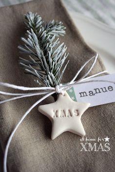 """Eccoci qui col primo appuntamento del nostro """"at home for XMAS"""" .Immaginiamo la nostra tavola natalizia, mentre apparecchiamo canticchiando ..."""