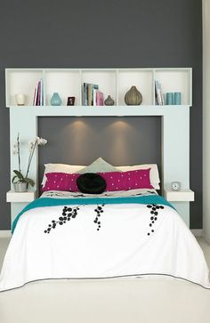 praktische einrichtungsideen im schlafzimmer regalsystem