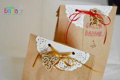 Kreatív ajándékcsomagolás: csipkepapírral díszített talpas papírzacskó | Életszépítők