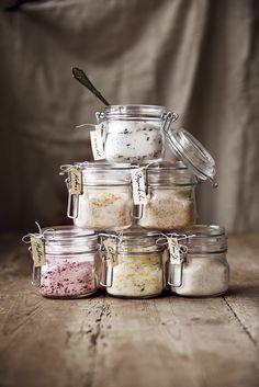 I have lavender sugar already. Homemade Sweets, Homemade Gifts, Jam Recipes, Cooking Recipes, Bagan, Good Food, Yummy Food, Diy Food, Eat Cake
