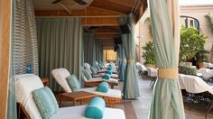 Poolside Lounging: 10 Gorgeous Cabanas at Top Hotels includes the pool at Beverly Wilshire via ABC News California Getaways, Beverly Wilshire, Pool Bar, Cozy Nook, Top Hotels, Townhouse, Bungalow, Outdoor Living, Lounge