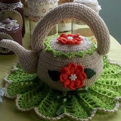- People look how creative! Did you like it? Leave yours if you liked it and book someone . Crochet Stitches, Teapot Cover, Space Drawings, Crochet Pumpkin, Do You Like It, Crochet Home, Burlap Wreath, Doilies, Handarbeit