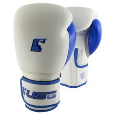 Proud owner of Ultimate Sports Gear, One of the leading sports manufacturing company. USG are worldwide supplier of quality boxing,fitness and much more. Fighting Gloves, Boxing Fight, Mma Equipment, Boxing Gloves, Boxing Workout, Cowhide Leather, Pure Products, Boxing Hand Wraps, Boxing Training