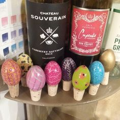 Signs of Spring: the sun is out (OK it is a bit chilly!) the time changes tonight and Easter Egg wine bottle stoppers are at @storgeohio! I'll be working there today so come on up to Powell and visit Storge and all the rest of the shops in downtown to begin your Spring Awakening. #aardvarkfurniture #storgeohio #paintedeastereggs #powellohio #shopsmall #shoplocal #740 #springawakening