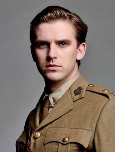 Matthew Crawley Dan Stevens) Heir to Downton Abbey and Husband of Lady Mary Crawley Matthew Crawley, Gentlemans Club, Benedict Cumberbatch, Dan Stevens Downton, Books Art, Downton Abbey Series, Matthew Downton Abbey, Historischer Roman, Masterpiece Theater