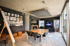 La sala-comedor incluye un área de televisión para toda la familia.   Galería de fotos 3 de 12   AD MX