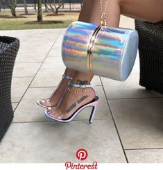 Keys To Finding The Best Sneakers For Women. Are you shopping for the best sneakers for women? Cute Heels, Sexy Heels, Shoe Boots, Shoes Heels, Hot High Heels, Louis Vuitton Shoes, Best Sneakers, Sneakers Nike, Chanel Shoes