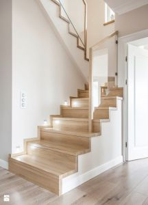 Modern House Stairs Design Cool Collection Schody Dywanowe Na Betonie Zdjęcie Od Stolarnia Rzepa Schody Home Stairs Design, Interior Stairs, Home Interior Design, House Design, Kitchen Under Stairs, Staircase Handrail, Foyer Staircase, New Bedroom Design, Glass Stairs
