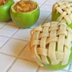 APPLE PIE BAKED IN APPLE looks like a fun fall idea!