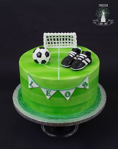 Soccer cake, jalkapallo kakku The Effective Pictures We Offer You About birthday cake harry potter A quality picture can tell you many things. You can find the most beautiful pictures that can be pres Football Birthday Cake, 10 Birthday Cake, Soccer Birthday Parties, Cupcakes, Cupcake Cakes, Birds Milk Cake Recipe, Soccer Ball Cake, Soccer Cakes, Cake For Husband