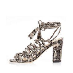 Grijze vetersandalen met blokhakken en slangenprint - Sandalen met hak - schoenen / laarzen - dames