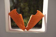 Wanna some orange? #adidas #Superstar #Supercolor #adidasOriginals #sneakers #sneakerOn #PharrellWilliams #Sizeer