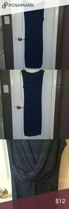 Navy dress Form fitting, calf length, sleeveless, zigzag pattern Forever 21 Dresses Midi