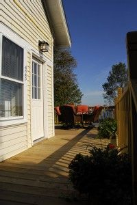 VRBO.com #364892 - Charming 1920's Shoreside Cottage with Sweeping Views.