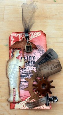 Vintage Valentine Tag..and a GIVEAWAY!  Check out my blog:)