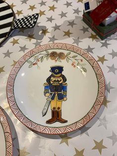 Decorative Plates, Tableware, Painting, Ideas, Home Decor, Porcelain Ceramics, China Painting, Plate, Noel