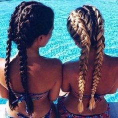 See our easy hairstyles ideas to pull off during this spring break. Not to ruin your vacation, opt for hairstyles for long hair that does not require you to use heat tools and too much hair product. Undercut Pixie, Undercut Hairstyles, Latest Hairstyles, Summer Hairstyles, Easy Hairstyles, Hairstyle Ideas, Hairdos, Pixie Haircut, Undercut Designs