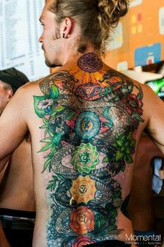 In Reverence of the Ancient Mystics: Buddhist Tattoo Ideas : colourful buddhist tattoo. Colourful buddhist chakras tattoo on the man's back. Tattoo Down Spine, Spine Tattoos, Back Tattoo, Sleeve Tattoos, Chakra Tattoo, Kundalini Tattoo, Kundalini Yoga, 7 Chakras, Yoga Tattoos