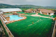 Top 10 pensiuni cu piscine uimitoare, despre care n-ai crede că sunt în România Bora Bora, Mauritius, Baseball Field, Golf Courses
