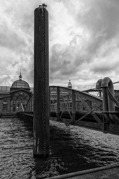Fischauktionshalle mit Brücke | Bildschönes Hamburg