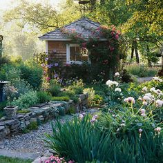Gartenlaube selber bauen Kletterpflanzen