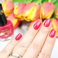 Pink nails perfect for summer. published in our Douglas Beauty Community DE and created by: winzieee  #douglasbeautycommuity #pink #douglas #nails