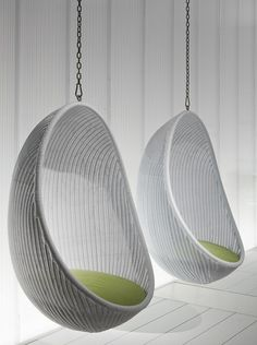 Bubble chair on pinterest chairs hanging chairs and for Hanging cocoon chair ikea
