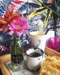 Best breakfast in town  Café da manhã sem hora pra acabar no meu lugar preferido de SP  Amo muito! #padocadomani #lovethisplace