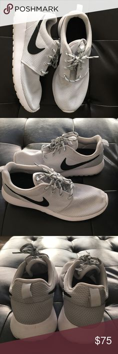 Women's Nike roshe In great condition, size 7.5 Nike Shoes Athletic Shoes