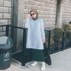Source by maihumaira inspiration hijab rok Casual Style Hijab, Casual Hijab Outfit, Hijab Chic, Ootd Hijab, Modern Hijab Fashion, Street Hijab Fashion, Muslim Fashion, Fashion Outfits, Hijab Styles For Party