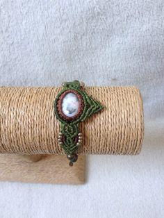 Bracelet ethnique en macramé