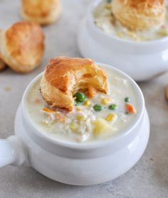 Chicken Pot Pie Soup - easy, quick and totally soul warming! I howsweeteats.com