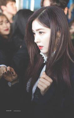 Red Velvet アイリーン, Red Velvet Irene, Bae, Redvelvet Kpop, Great Women, Beautiful Soul, Face Shapes, Korean Singer, Kpop Girls