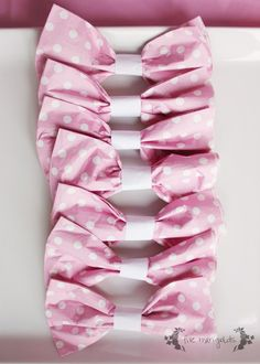 Baby girl first birthday - Bow 1st birthday party DIY napkin rings.