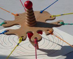 Le Crayon coopératif: jeu de société chez Jeux de NIM Games For Kids, Diy For Kids, Crafts For Kids, Youth Group Activities, Activities For Kids, Cooperative Games, Team Games, Ice Breakers, Crayon