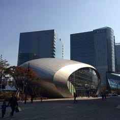 건물이 독특하다. 서울MBC