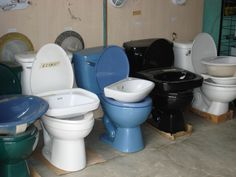 Hardware Store, Quepos Costa Rica, mix match toilets