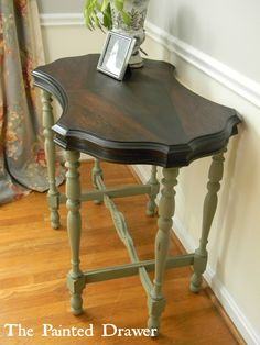 Diamond Top Table in color Chateau Grey.Chalk Paint® by Annie Sloan Chalk Paint Table, Chalk Paint Furniture, Furniture Projects, Furniture Making, Diy Furniture, Furniture Refinishing, Furniture Repair, Chalk Painting, Bedroom Furniture